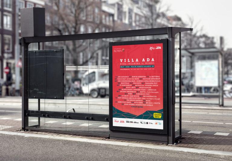 """Poster alla fermata del bus realizzato per l'evento """"Villa Ada Roma incontra il mondo - estate 2017"""""""