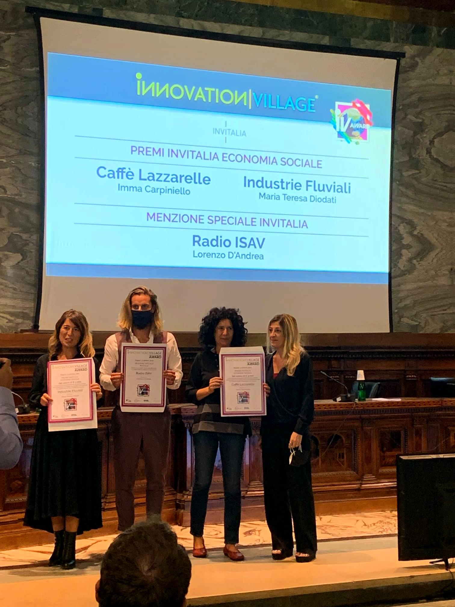 I rappresentanti delle realtà vincitrici dei Premi Invitalia Economia Sociale sul palco dell?Innovation Village Award